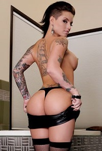 Christy-Mack-200x294