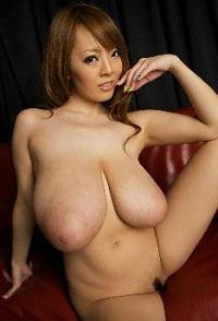 Hitomi-Tanaka-200x294