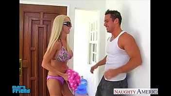 Beautiful Babe Nikki Benz Knows How To Blow A Man